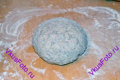 Снова  <a href=http://www.vkusfoto.ru/raznoe/kak_sformirovat_shar_iz_testa/116.html>сформировать шар из теста</a> и поставить в теплое место на 30 минут.