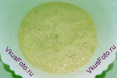 Накрыть пищевой пленкой и поставить в теплое место на 5-6 часов или поставить в холодильник на всю ночь.