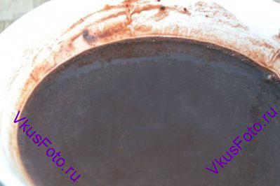 Порошок какао заварить кипятком.