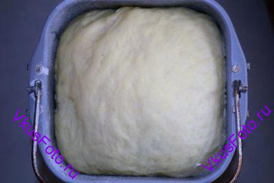 Тесто поставить в теплое место на 1,5 часа.