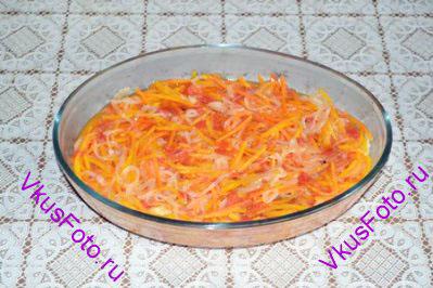 Рыбу залить горячими овощами. Остудить. Накрыть пленкой и оставить на ночь в холодильнике.