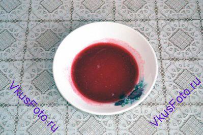 <b>Желе: </b> Желатин в пластинах, сок и джем прогреть на плите пока не растворится желатин.